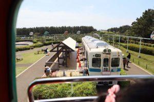 古い小田急線の電車の展示