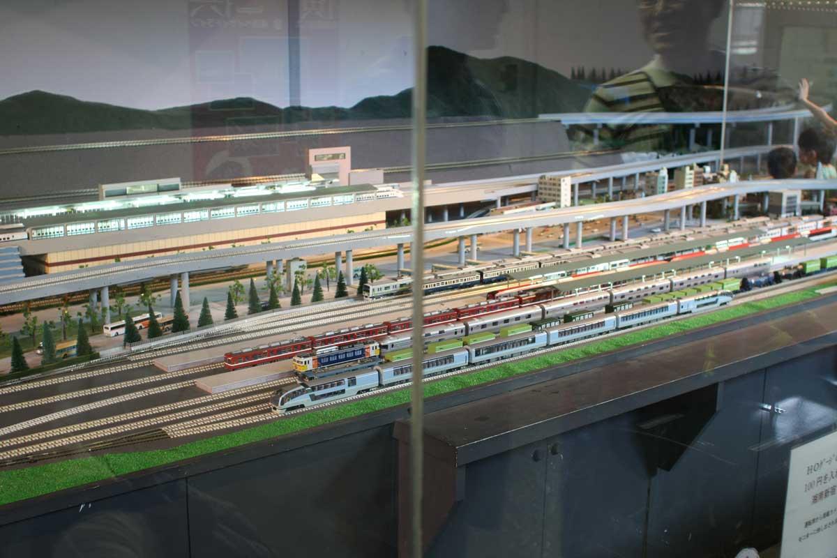 電車のジオラマ