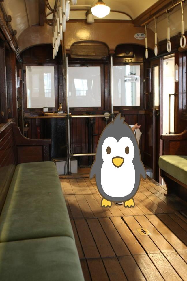 横浜市電保存館の電車の展示