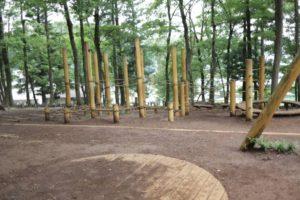 野山北公園の冒険の森にあるアスレチック