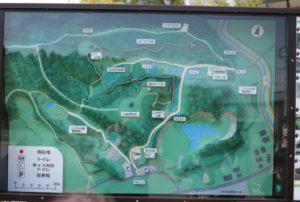 あつぎこどもの森の入り口にある園内マップ