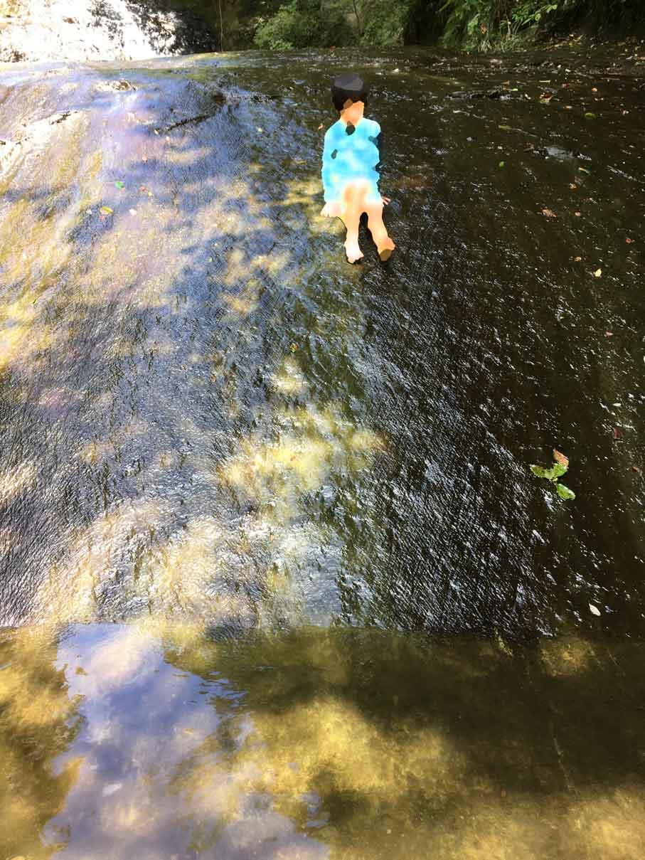 オートキャンプ キャンプ村近くの水遊びができる川